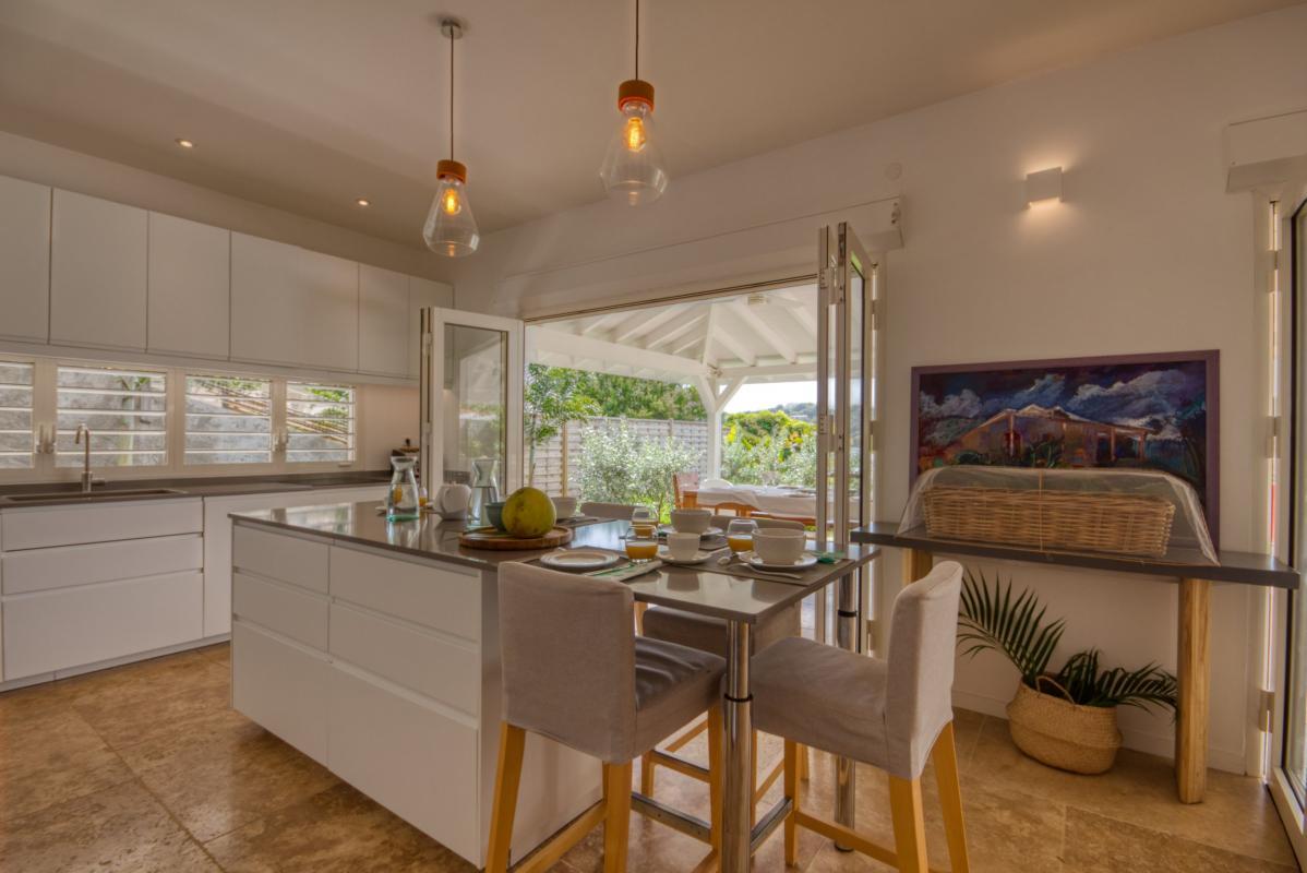 Location villa de luxe martinique cuisine accès terrasse