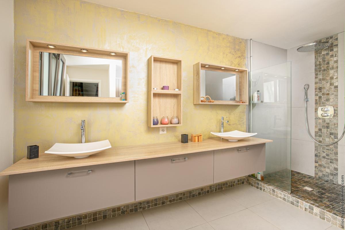 location villa de luxe martinique salle d'eau chambre 1