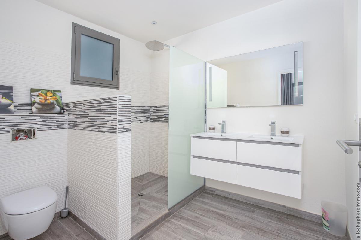location villa de luxe martinique salle d'eau chambre 2