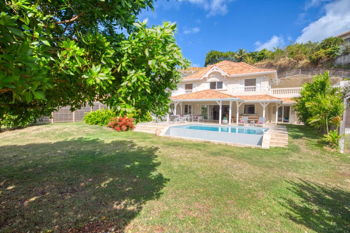 location villa de luxe martinique avec piscine et accès mer