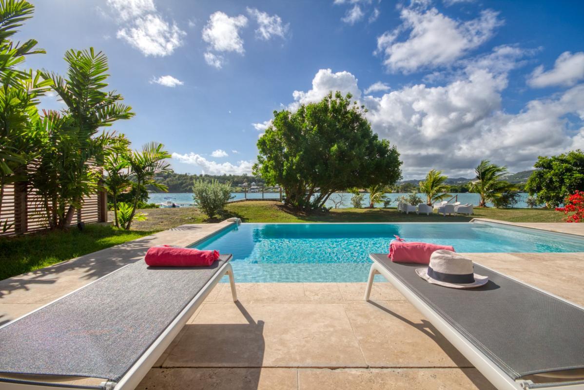 location villa de luxe martinique piscine à débordement