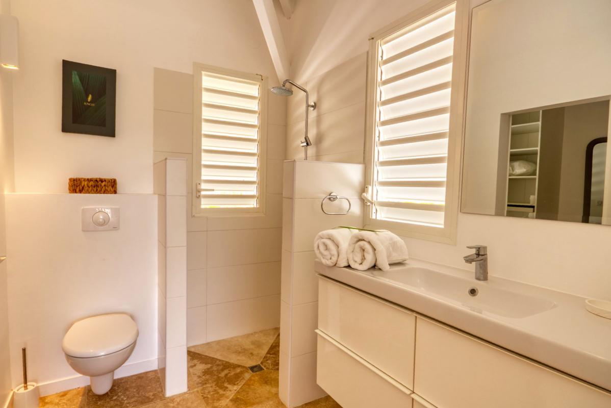 location villa de luxe martinique salle d'eau chambre 3