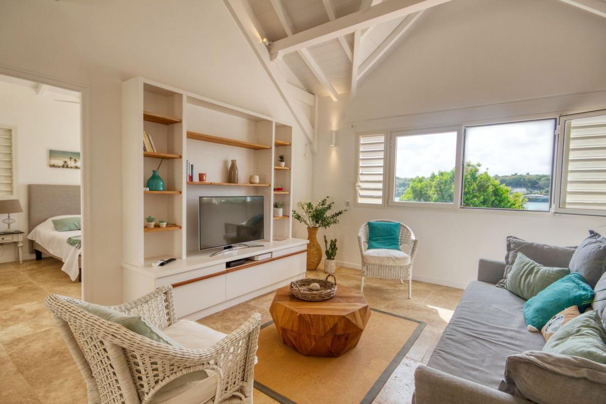 location villa de luxe martinique salon avec télévision vue 2