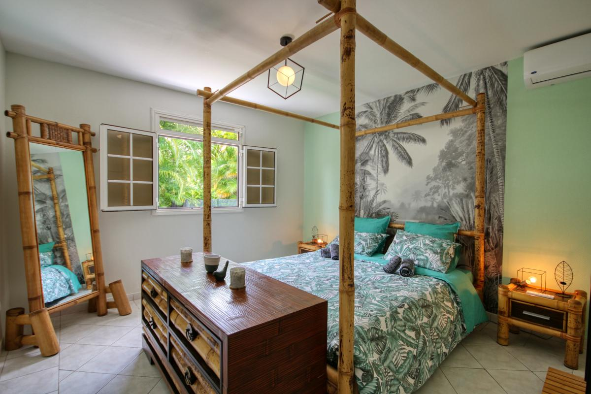 location villa Martinique 9 personnes au Marin avec piscine et Jacuzzi - vue chambre 1