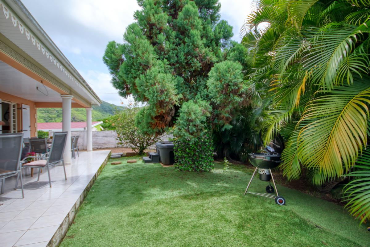 location villa Martinique 9 personnes au Marin avec piscine et Jacuzzi - vue exterieur3