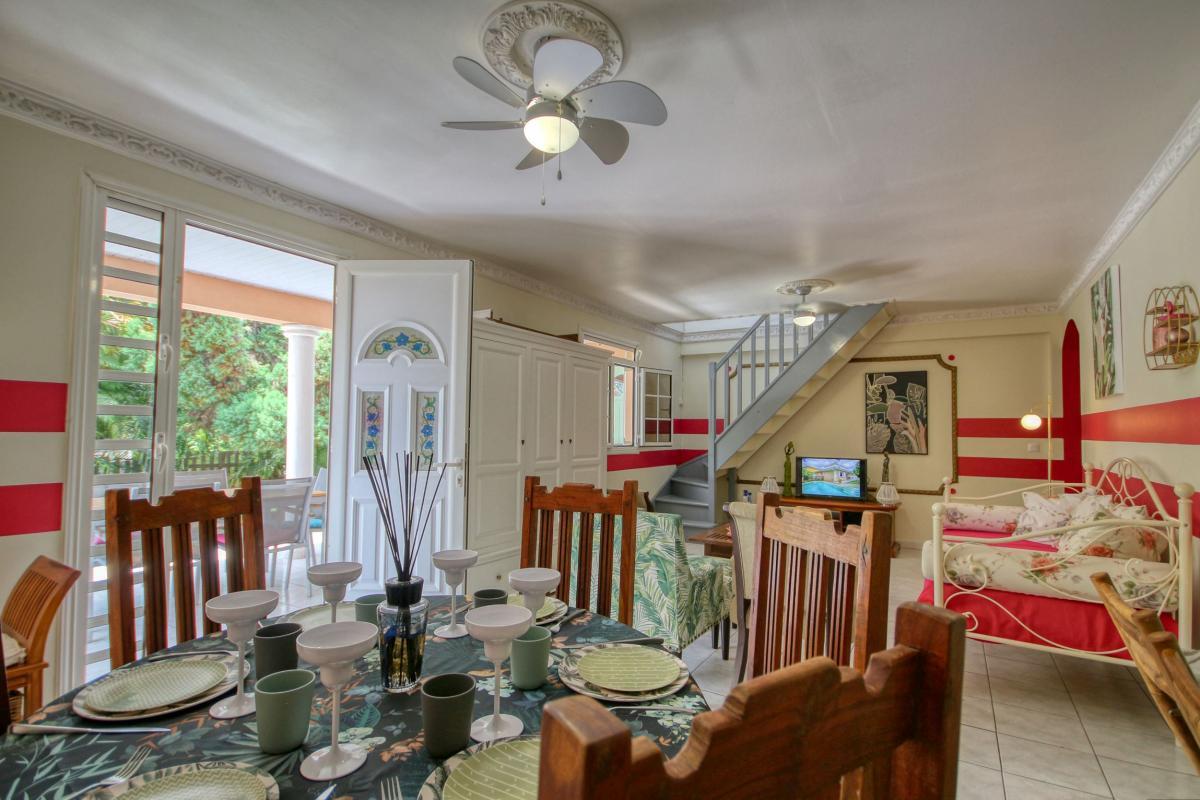 location villa Martinique 9 personnes au Marin avec piscine et Jacuzzi - vue salle à manger