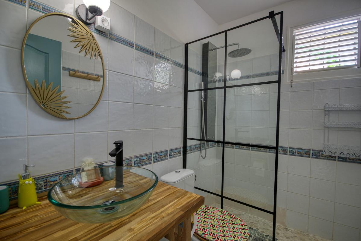 location villa Martinique 9 personnes au Marin avec piscine et Jacuzzi - vue sde 2
