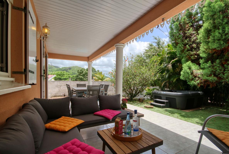 location villa Martinique 9 personnes au Marin avec piscine et Jacuzzi - vue terrasse4
