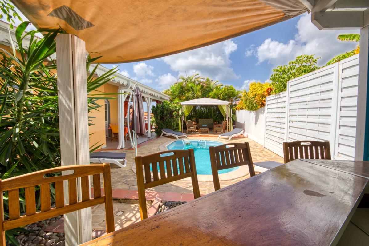 location villa martinique sainte anne avec 3 chambres proche plage