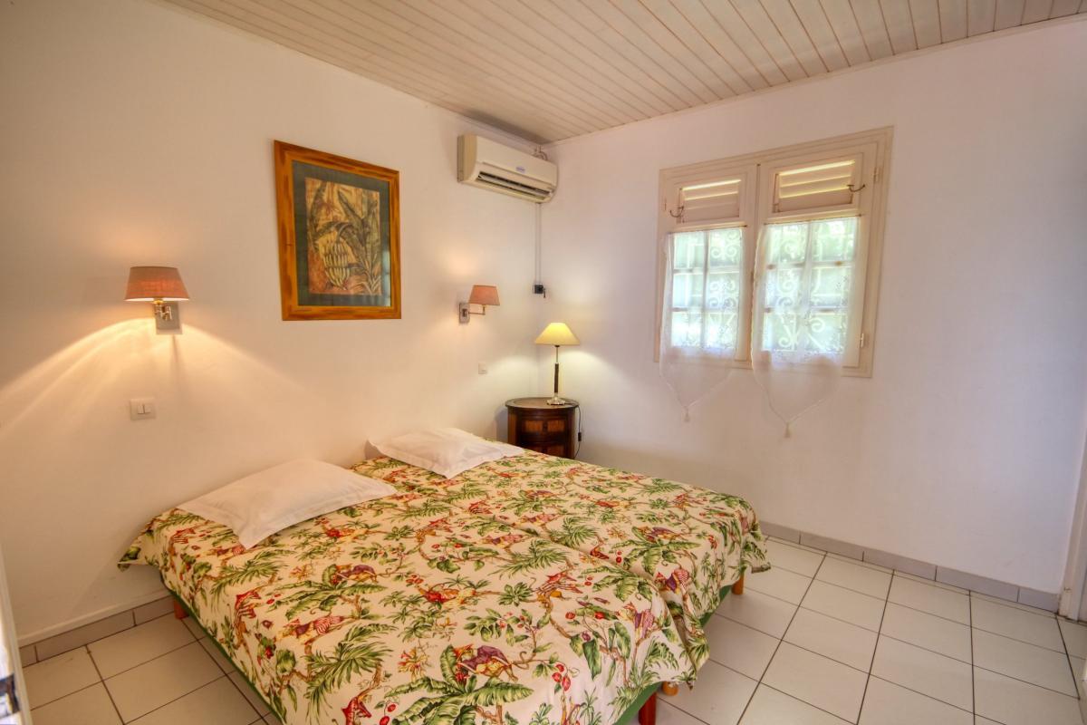 Location villa de standing piscine vue mer chambre 2 bis