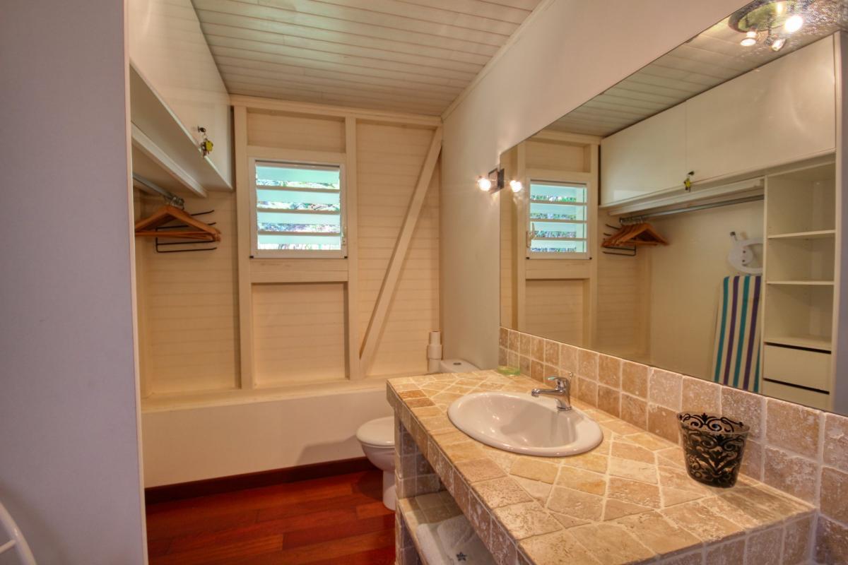 Location villa de standing piscine vue mer sdd chambre1