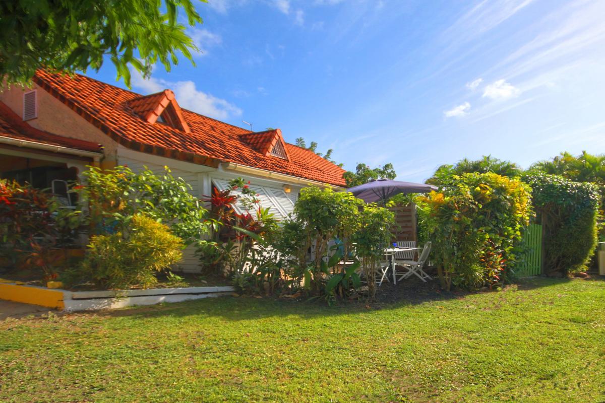 MQSA30 - Villa à deux pas de la plage Pointe Marin Sainte Anne Martinique Vue villa