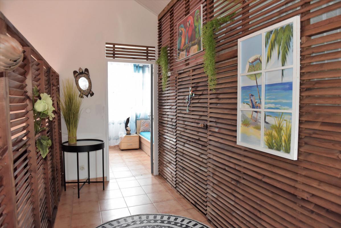 location villa dans le sud de la martinique couloir étage