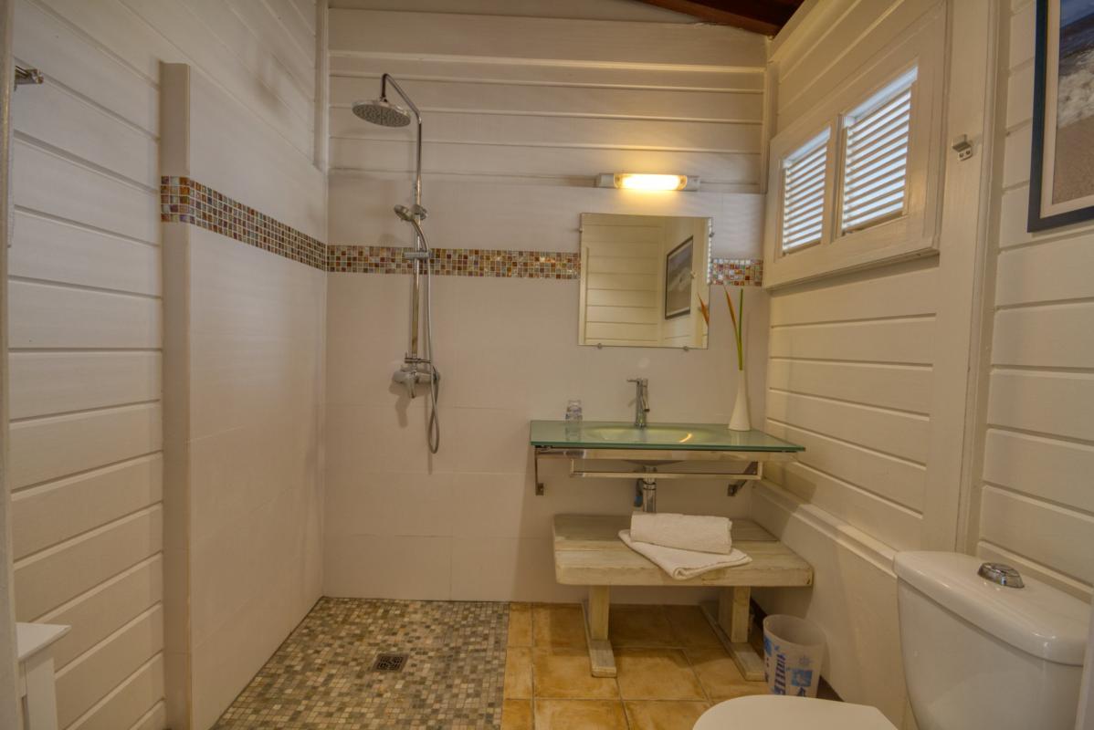 location maison martinique sainte anne salle d'eau chambre 1