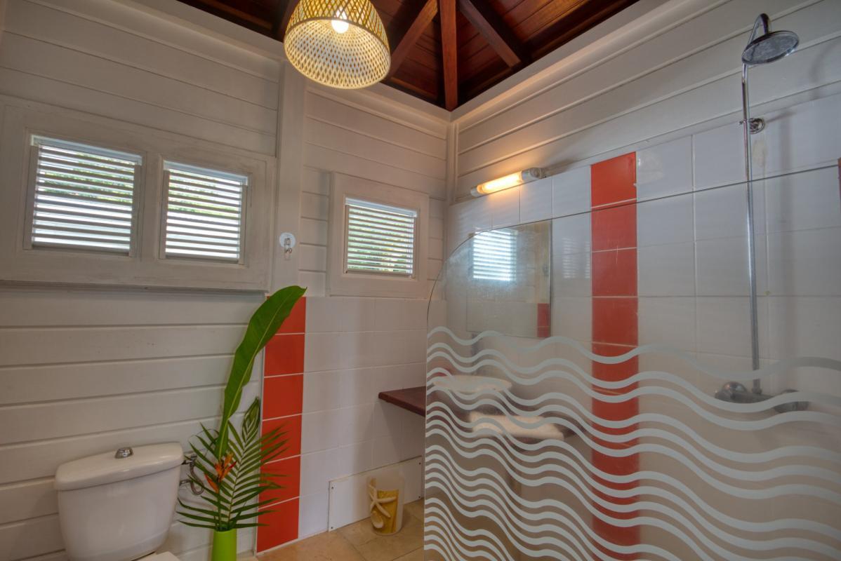 location maison martinique sainte anne salle d'eau étage