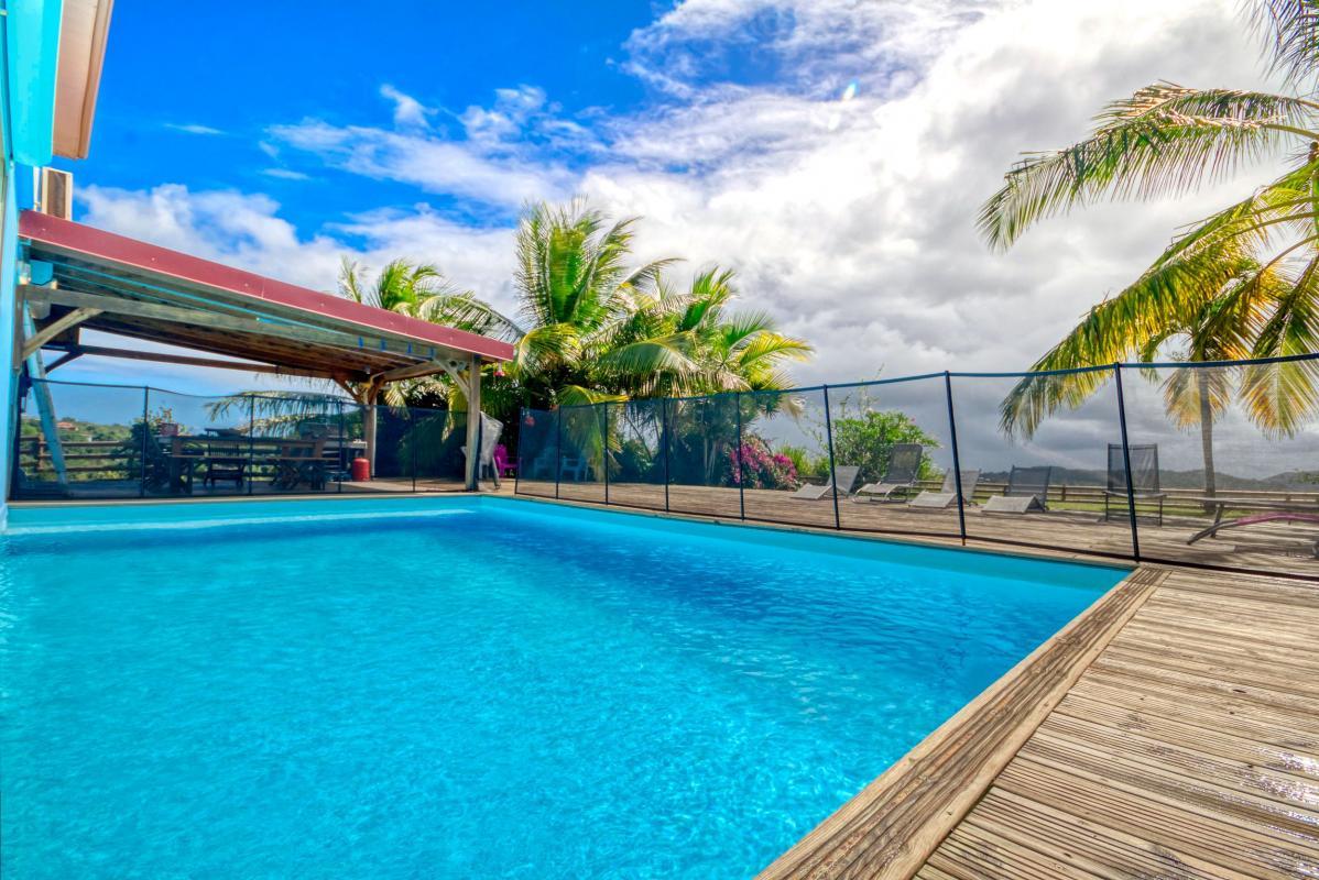 location villa de standing 12 personnes avec piscine à Sainte Anne Martinique piscine 2