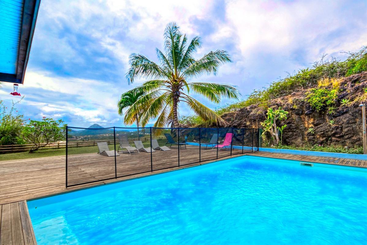 location villa de standing 12 personnes avec piscine à Sainte Anne Martinique piscine