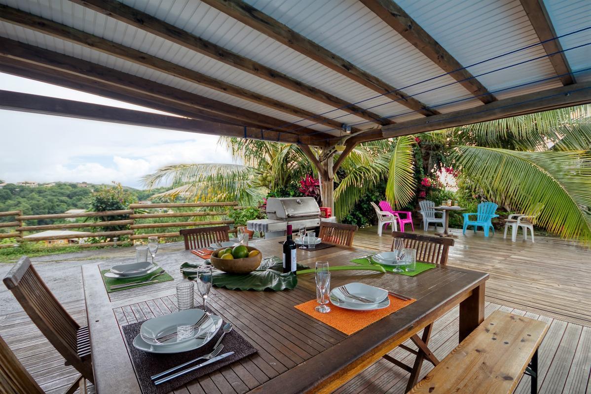 location villa de standing 12 personnes avec piscine à Sainte Anne Martinique terrasse 2