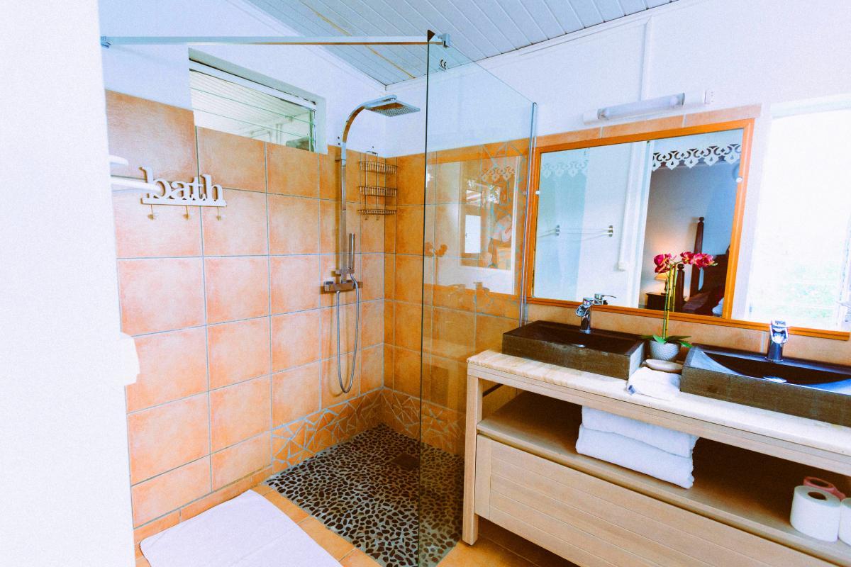 MQVA01 Location villa Martinique au Vauclin - chambre 3 sdd