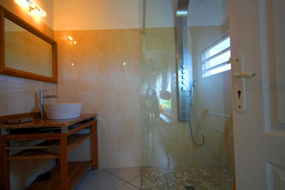 MQVA01 Location villa Martinique au Vauclin - chambre parentale rc sdd