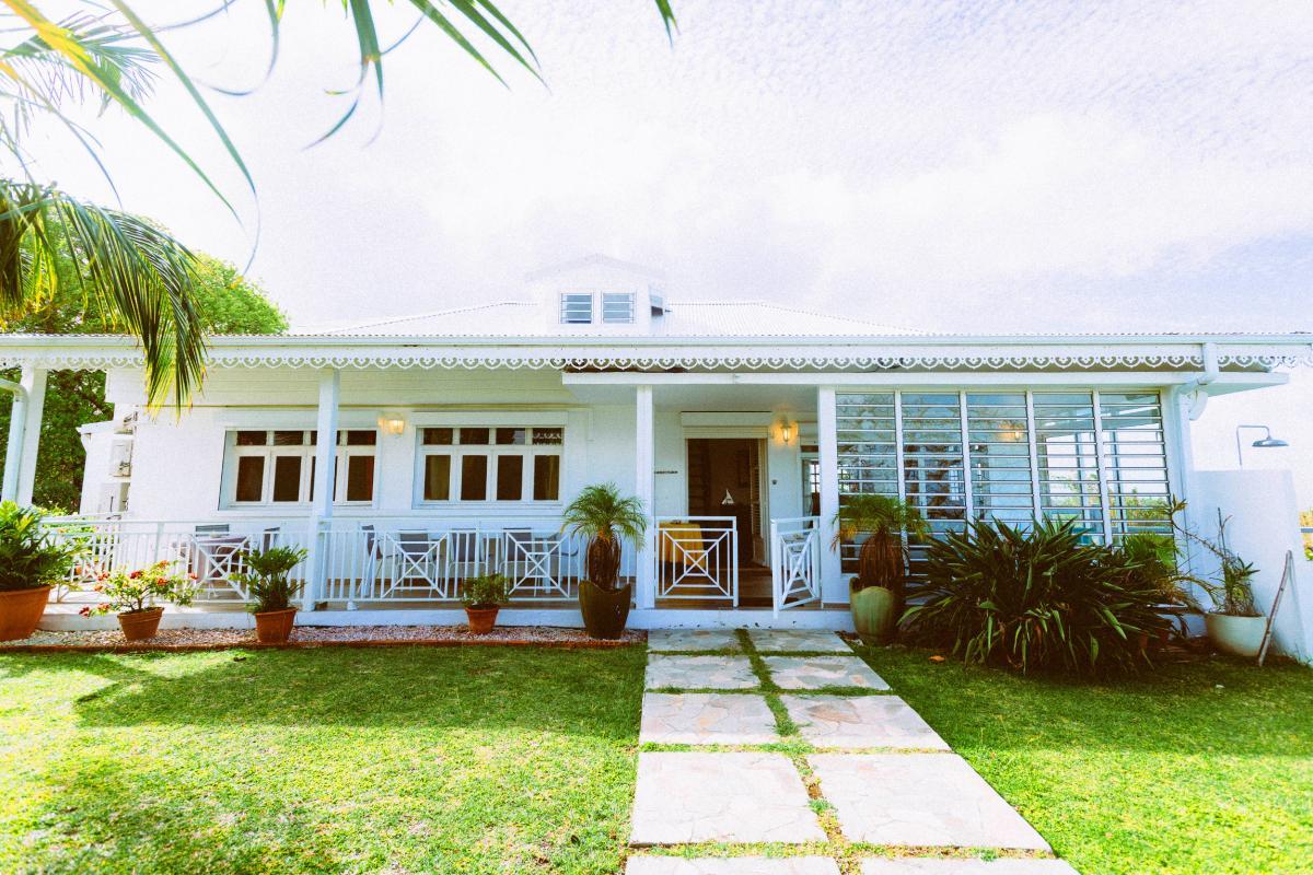 MQVA01 Location villa Martinique au Vauclin - Extérieur villa façade