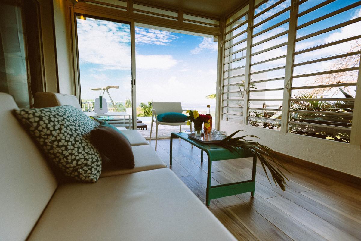 MQVA01 Location villa Martinique au Vauclin - Extérieur villa terrasse couverte