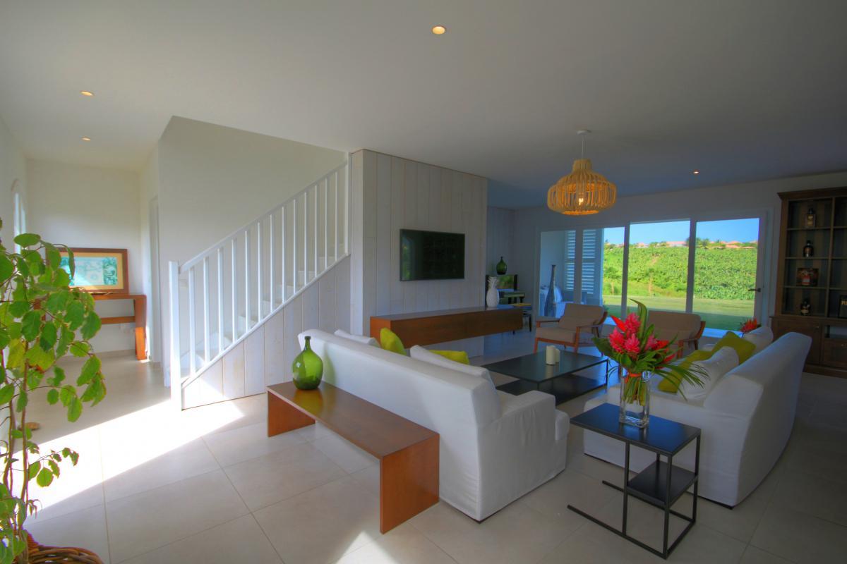 MQVA29 Location villa de luxe avec piscine et spa proche plages sud Martinique
