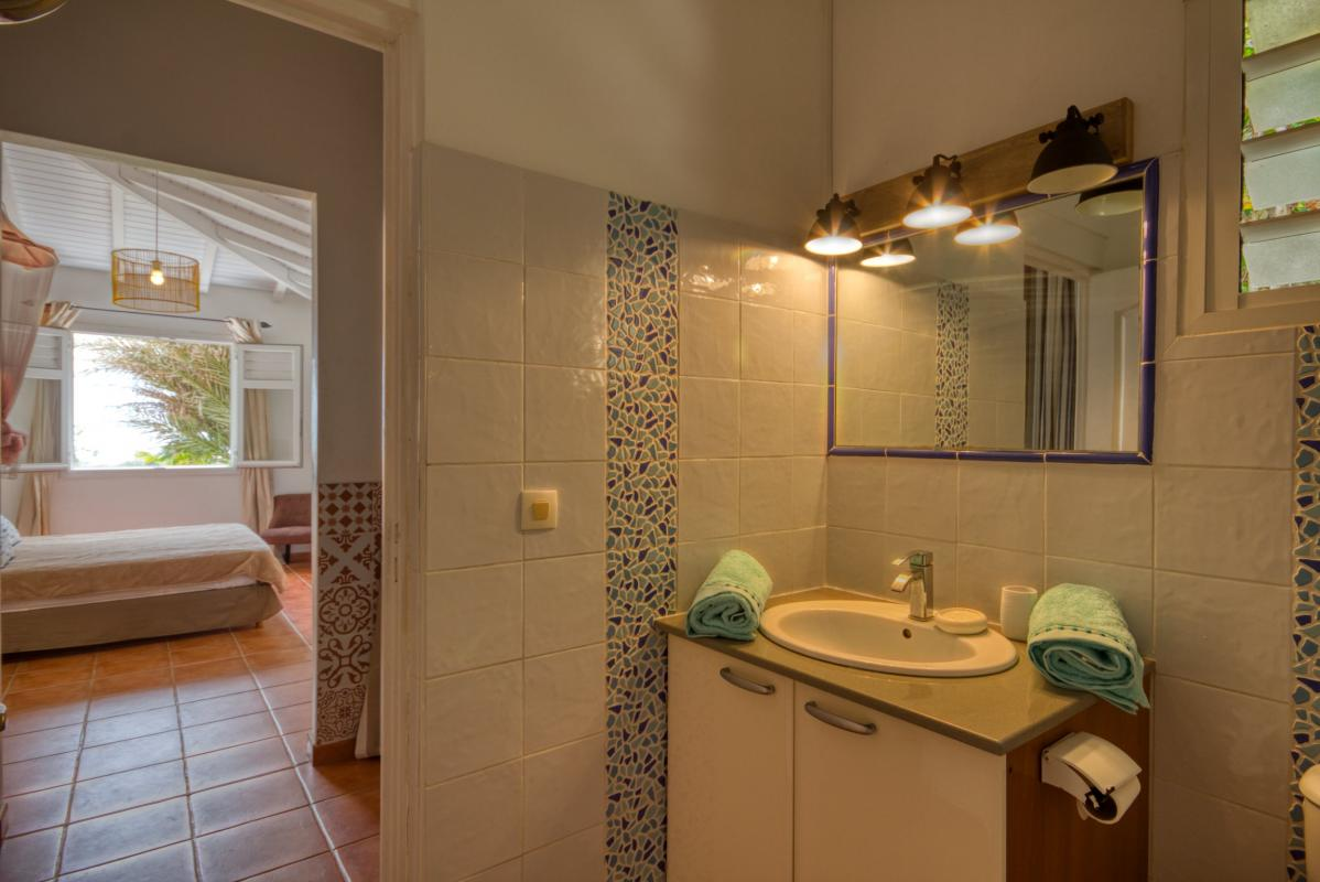 location villa martinique salle d'eau chambre 1