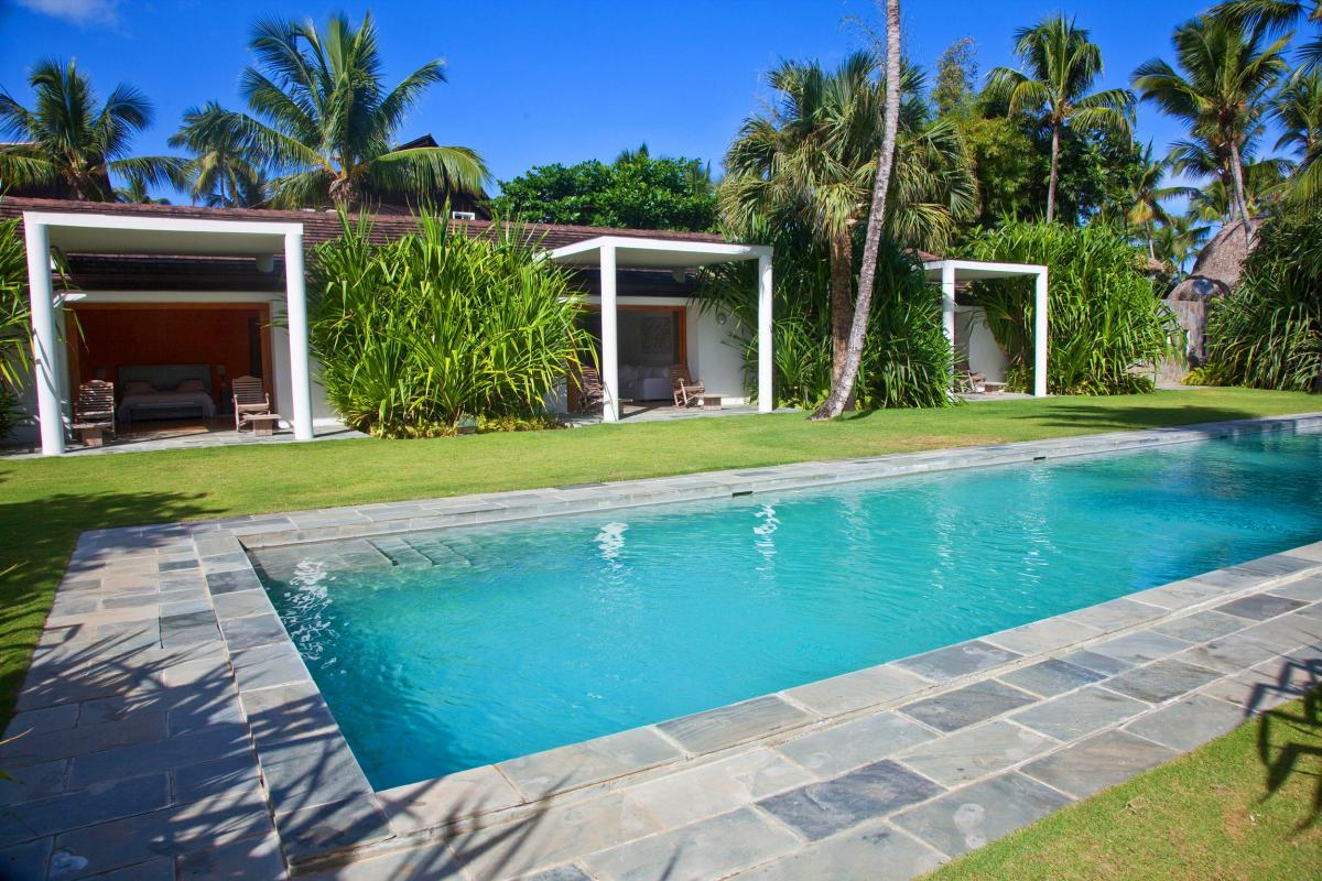 tion villa Las Terrenas - La piscine et les bungalows