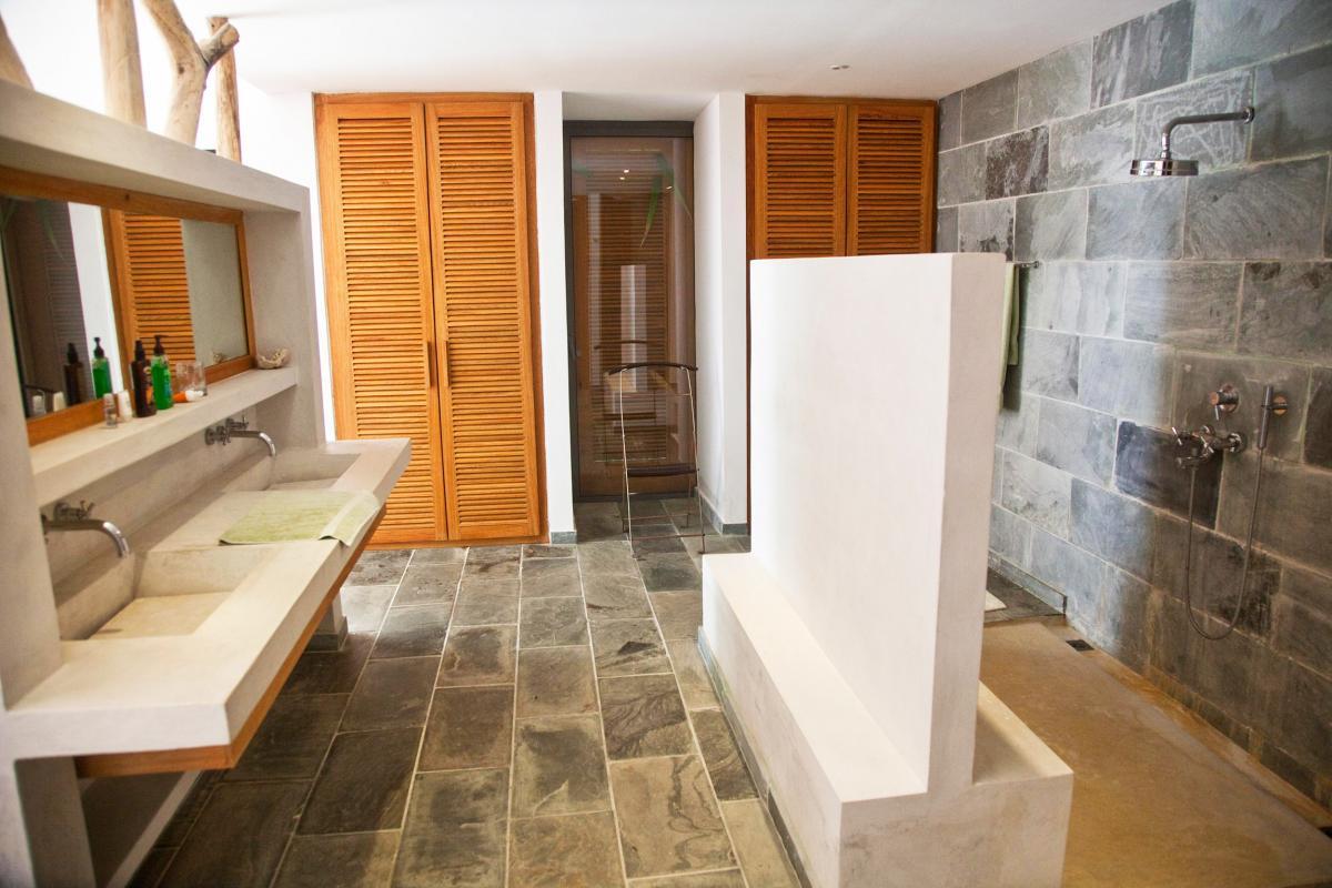Location villa Las Terrenas - La salle de douche du bungalow 1