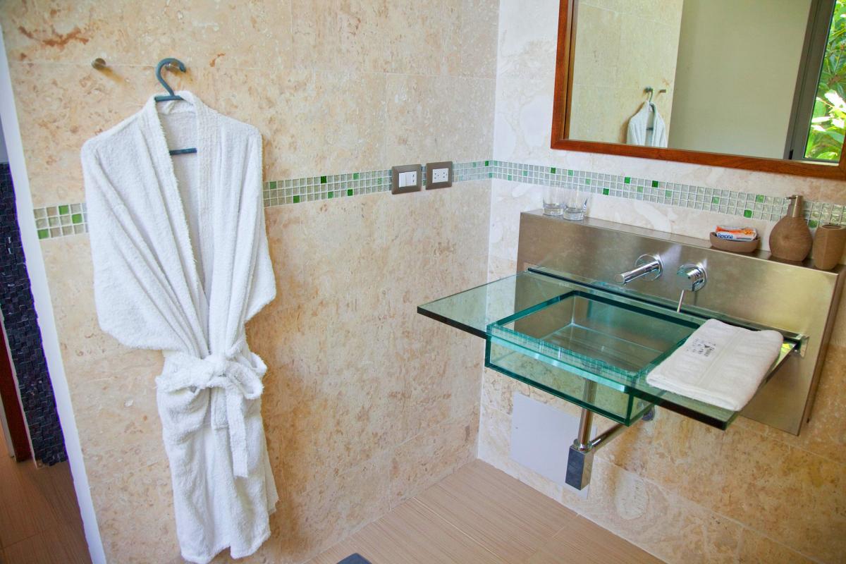 Location villa Las Terrenas - La salle de douche de la Suite supérieure