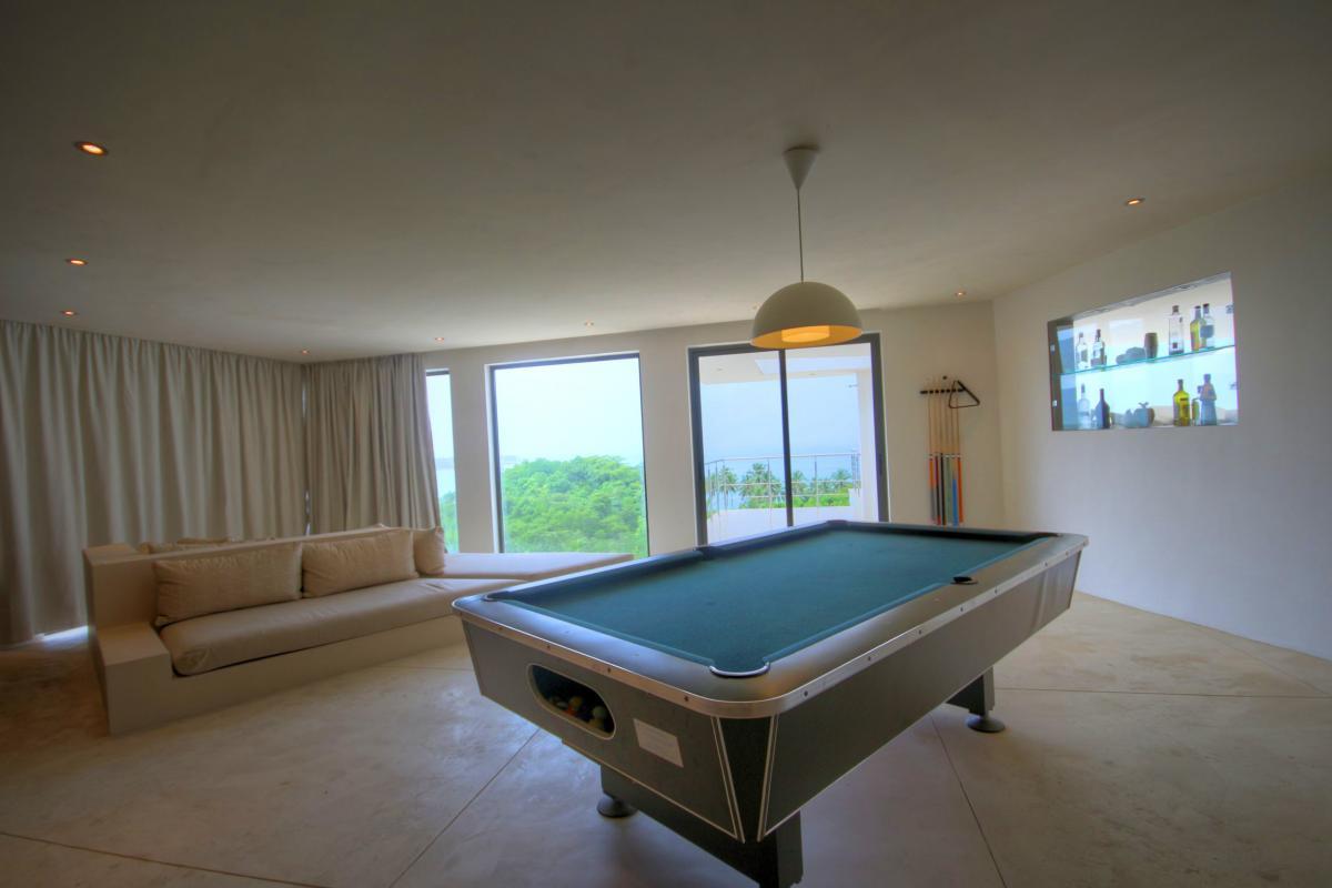 DOLT37 MD House Villa Grand luxe piscine vue mer salon billard