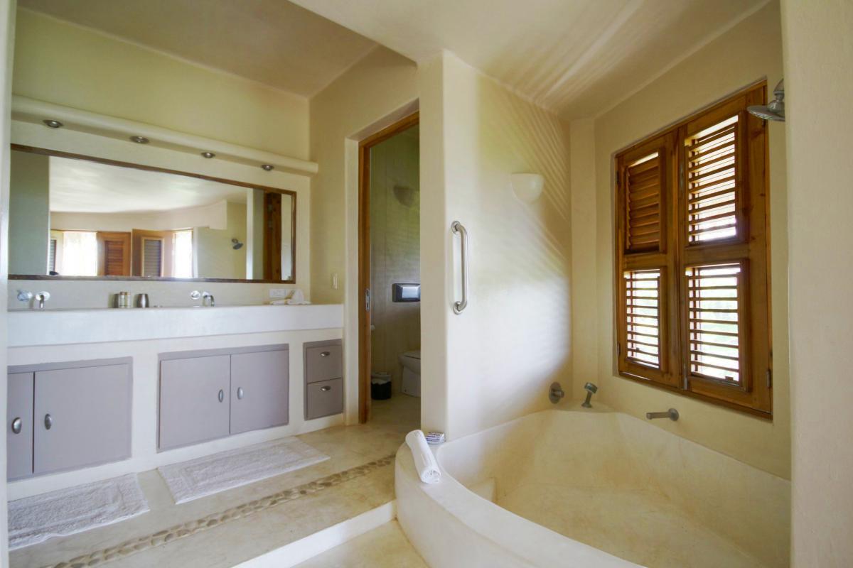 DOLT49 Villa luxe piscine et vue mer panoramique chambre parentale RC sdb
