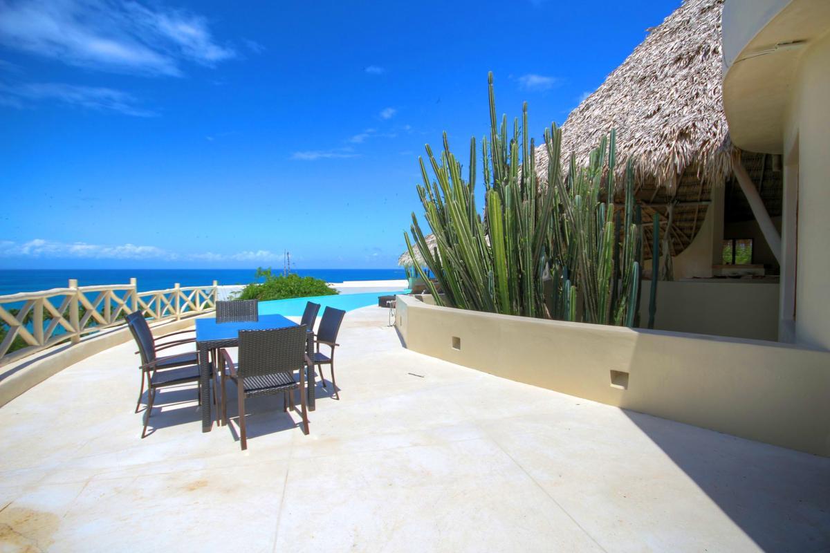 DOLT49 Villa luxe piscine et vue mer panoramique chambre principale étage