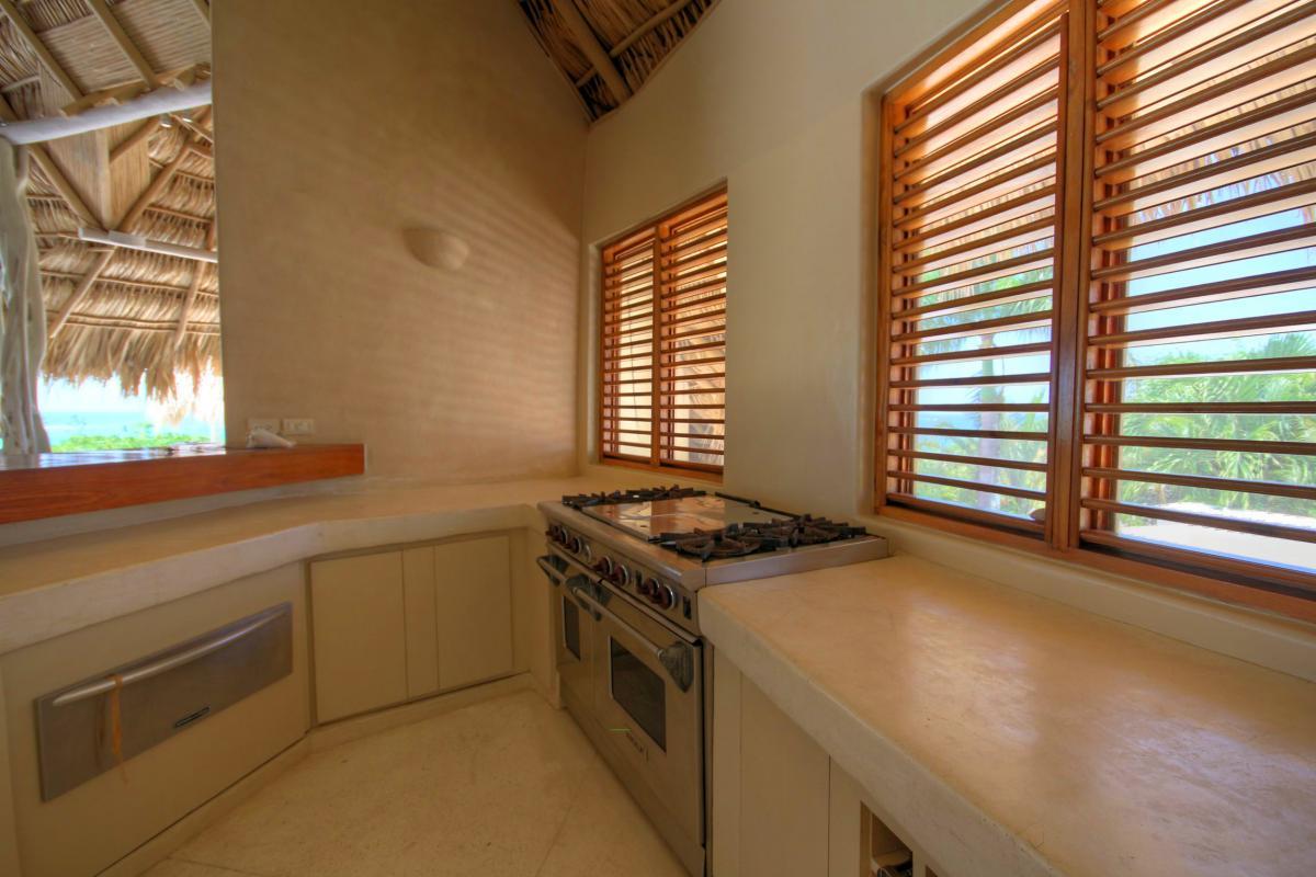 DOLT49 Villa luxe piscine et vue mer panoramique cuisine