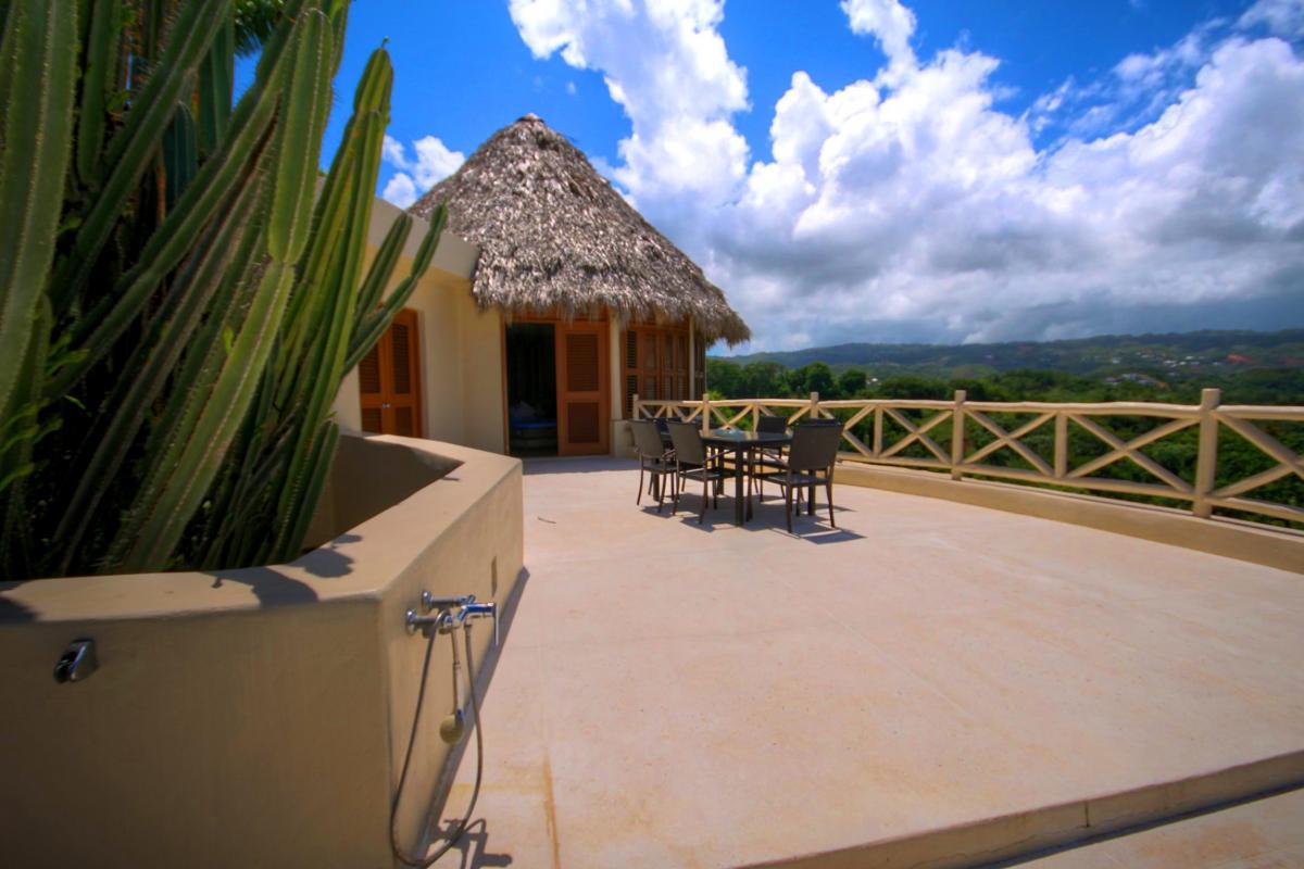 DOLT49 Villa luxe piscine et vue mer panoramique douche ext