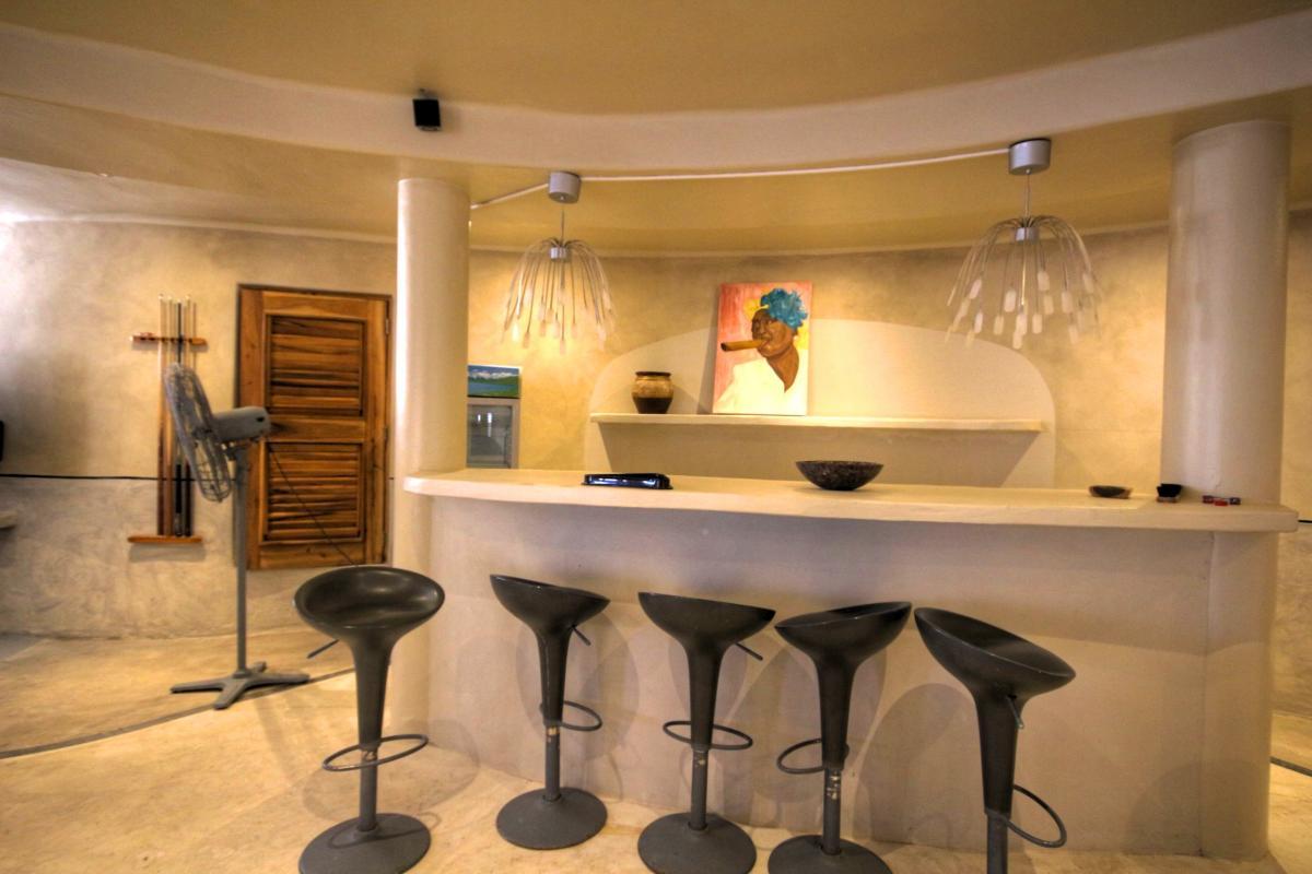 DOLT49 Villa luxe piscine et vue mer panoramique salon bas