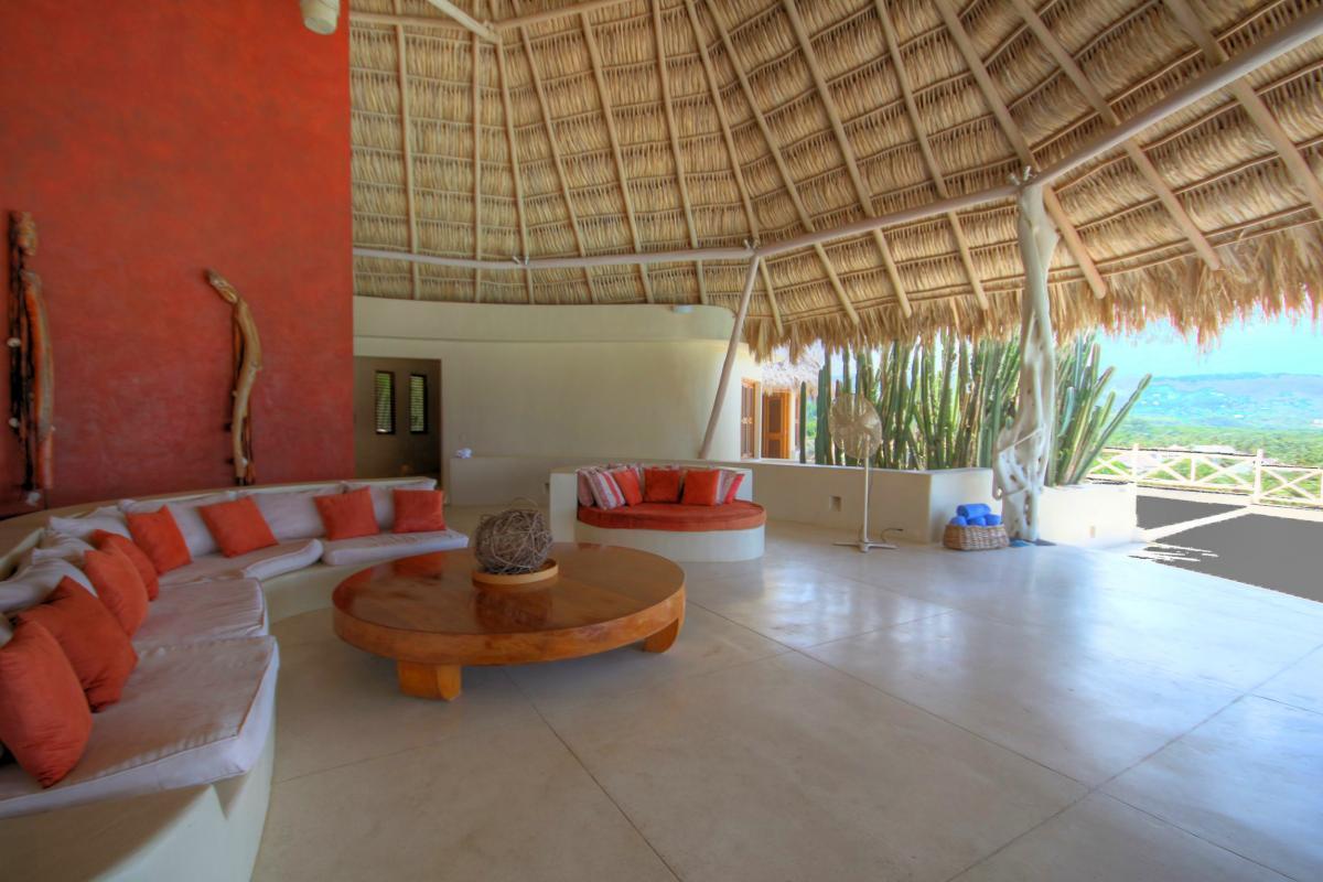 DOLT49 Villa luxe piscine et vue mer panoramique Séjour