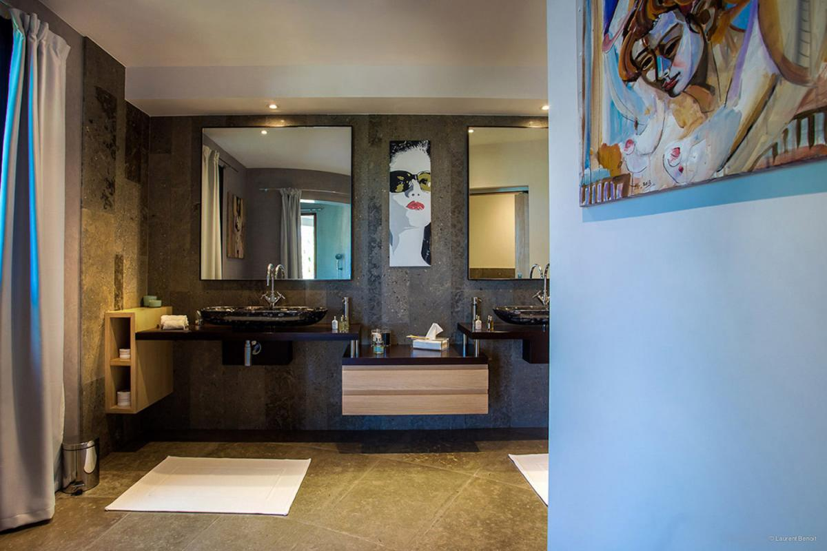 Location villa Camaruche - La salle de douche de la chambre 3