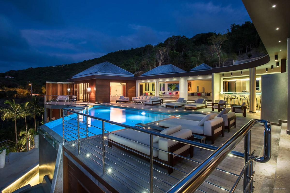 Location villa Camaruche - La terrasse de la villa de nuit