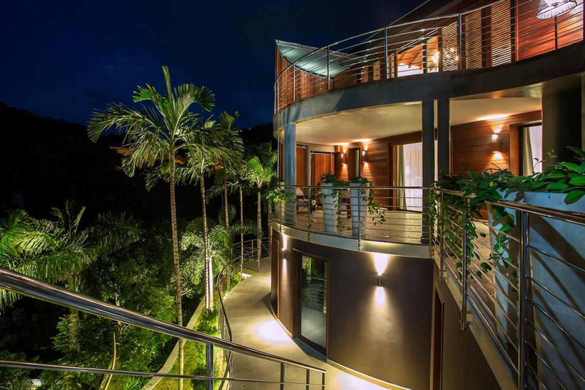 Location villa Camaruche - La villa de nuit
