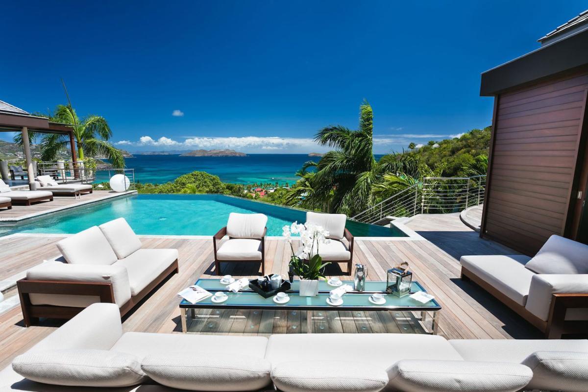 Location villa Camaruche - Le coin salon de la terrasse