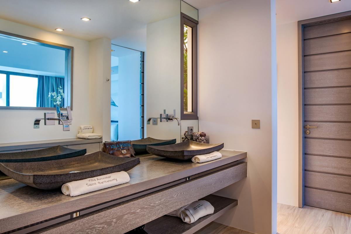 Location villa Camaruche - La salle de douche de la chambre 1