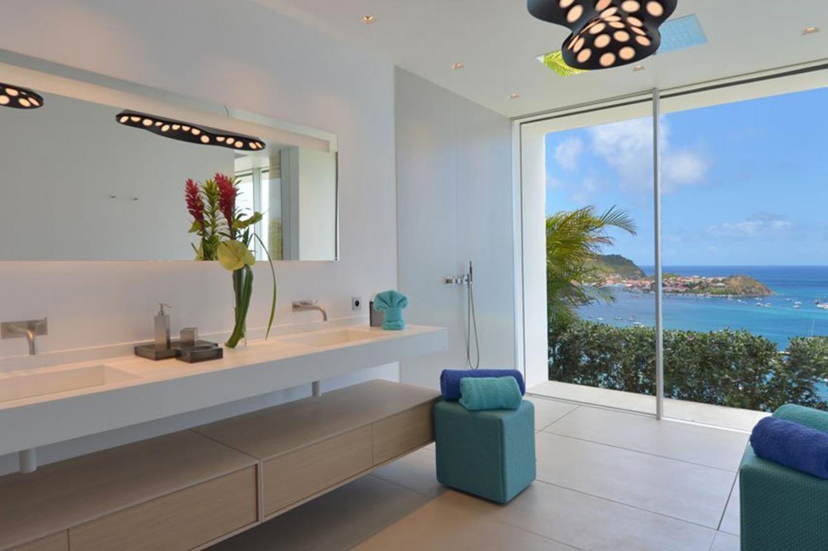 Location villa Corossol - La salle de douche de la chambre 3