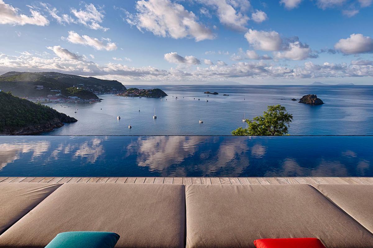Location villa Corossol - La vue depuis la piscine