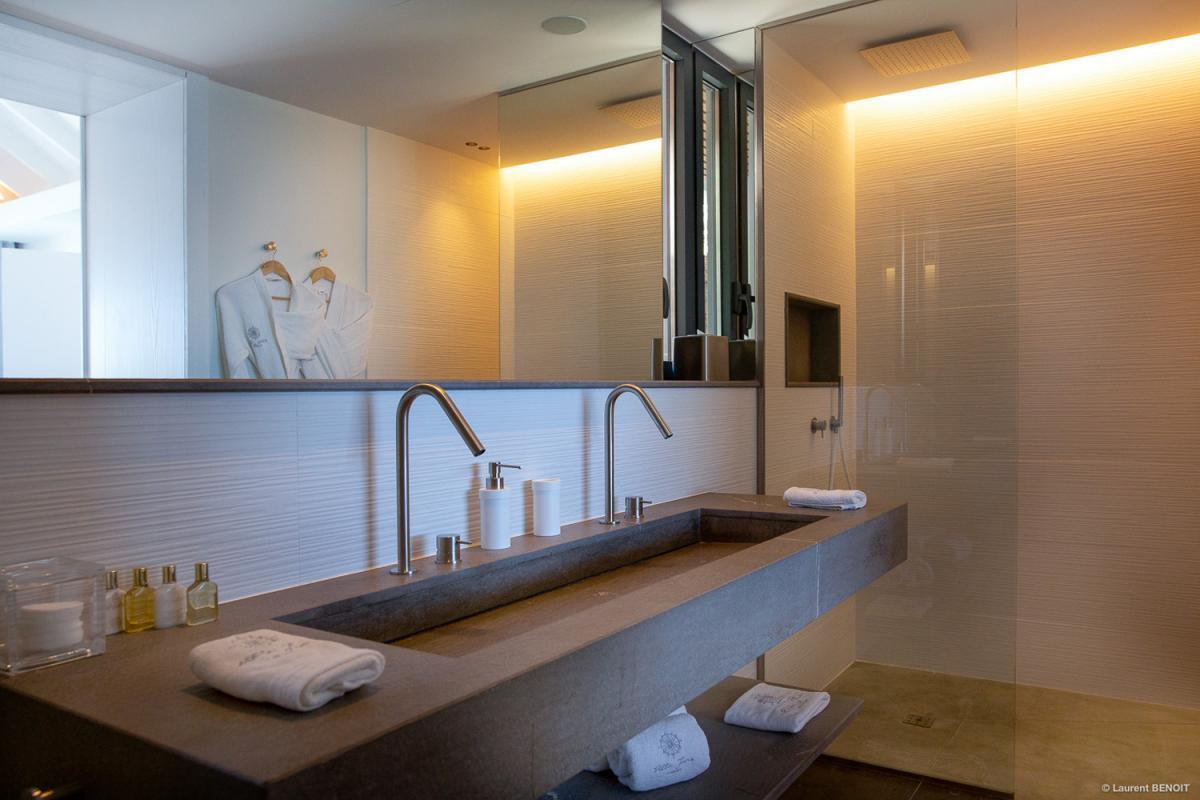 Location villa Corossol - La salle de douche
