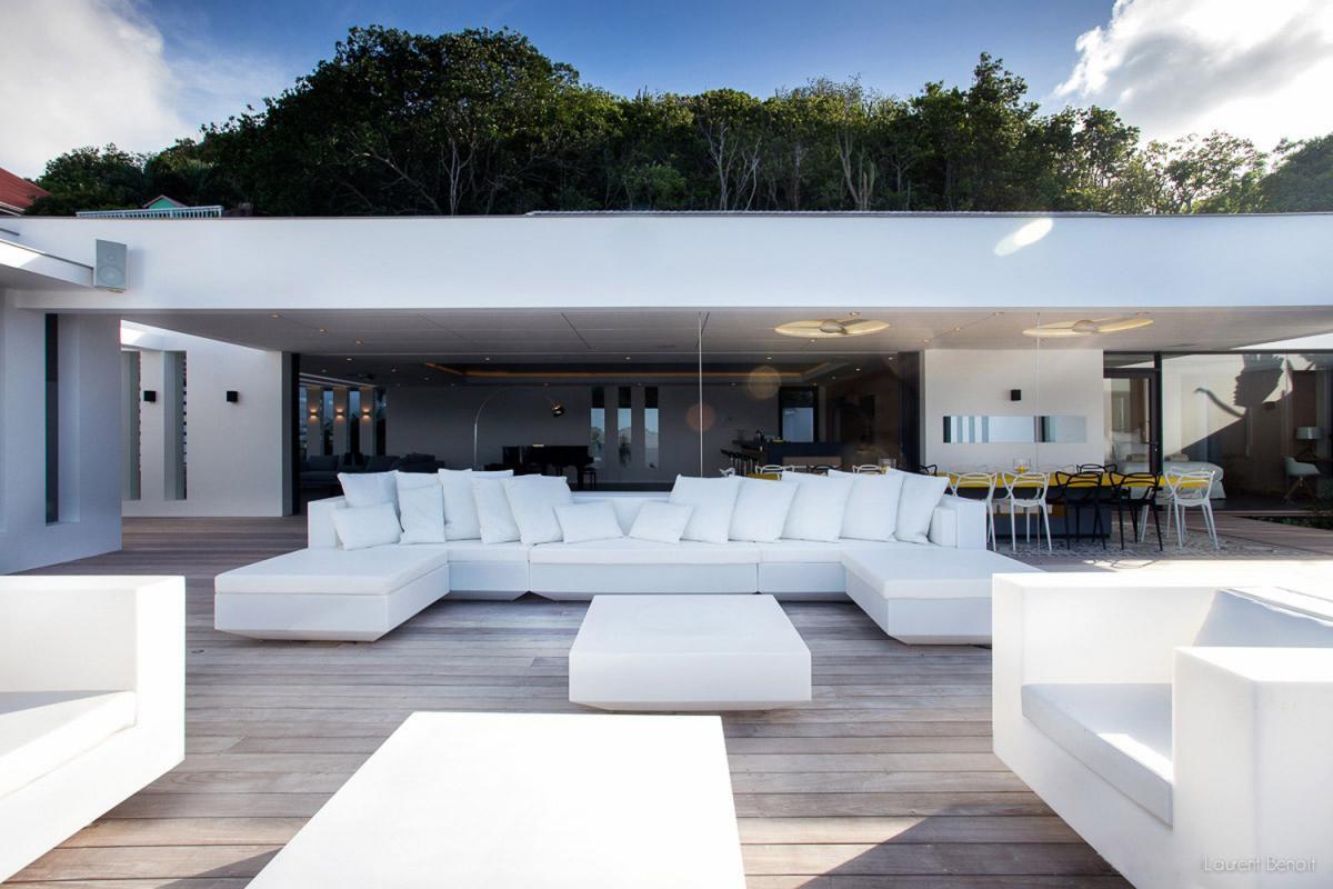 Location villa Flamands - Le coin salon de la terrasse
