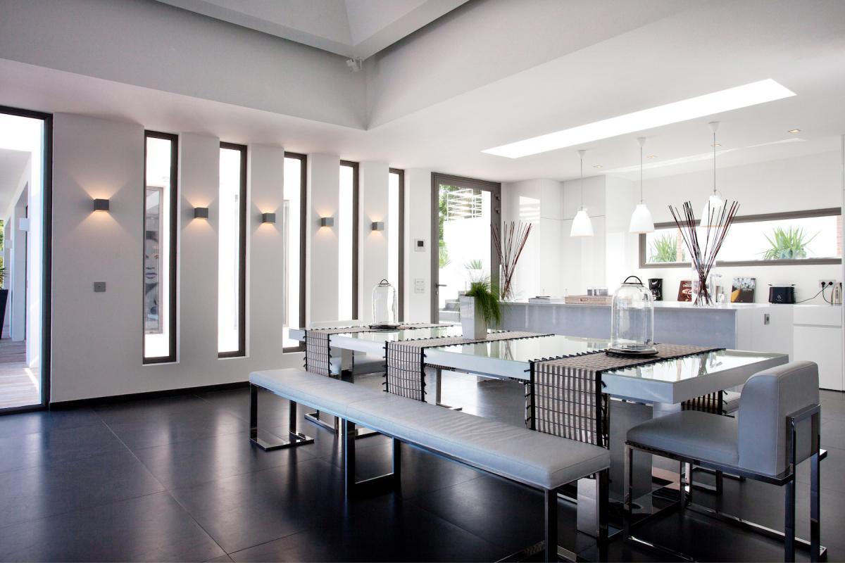 Location villa Flamands - La salle à manger et la cuisine