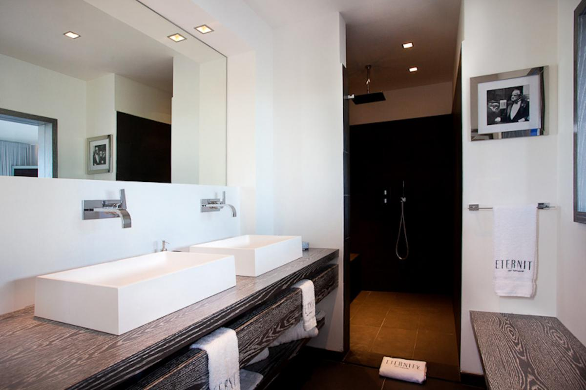 Location villa Flamands - La salle de douche de la chambre 5