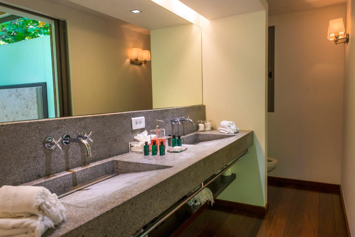 Location villa Lorient - La salle de douche de la chambre 5